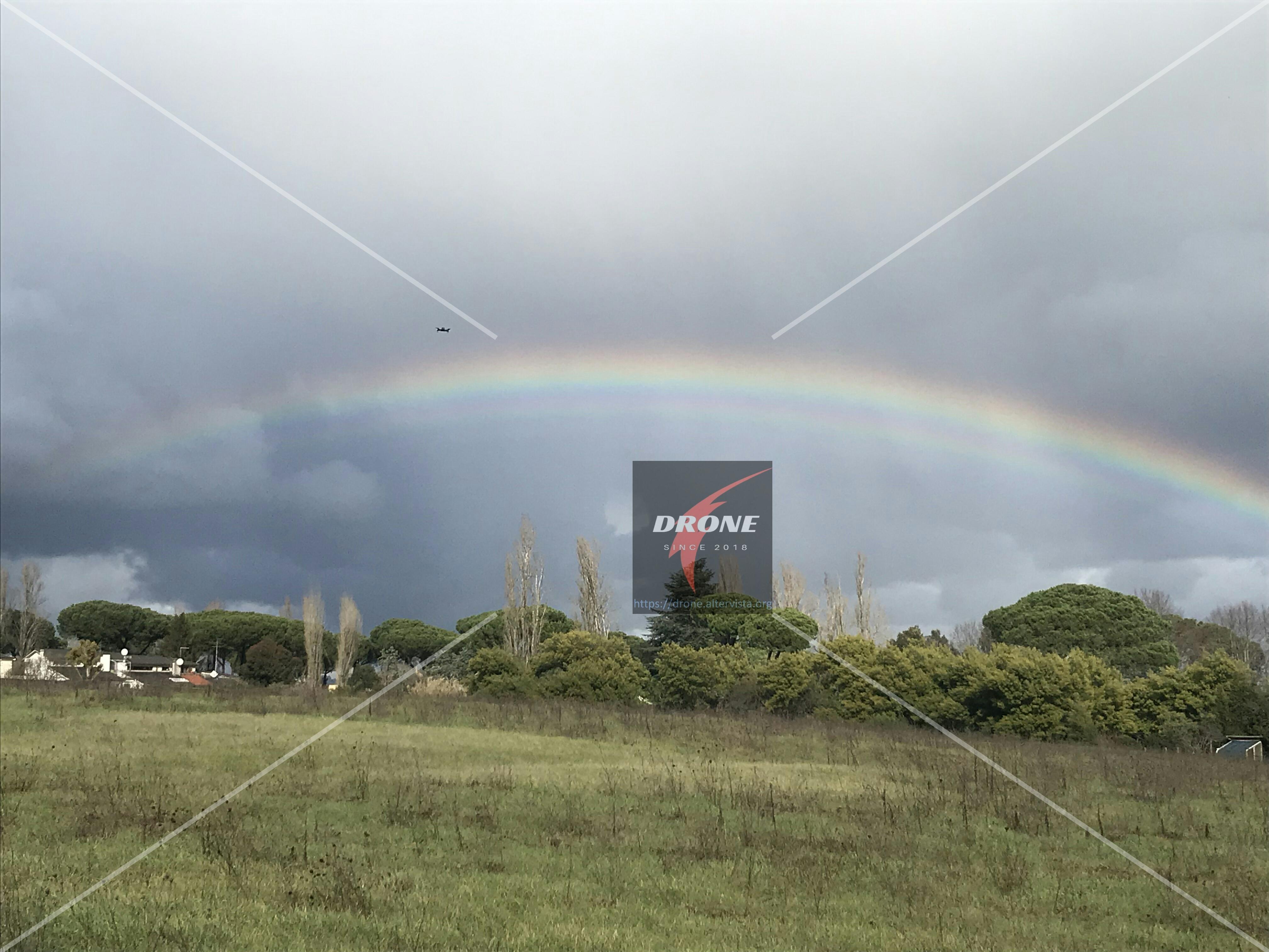 Drone, arcobaleno e tentazioni