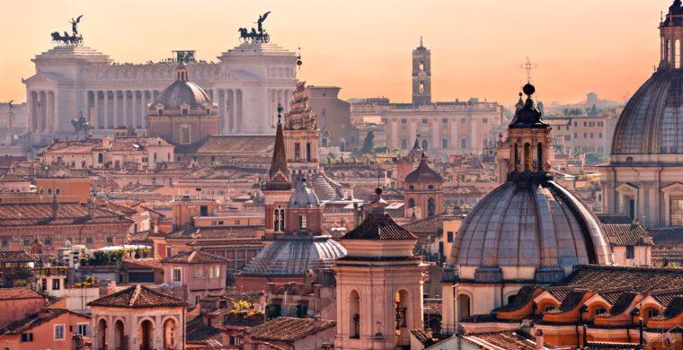 Un gruppo di piloti su Roma